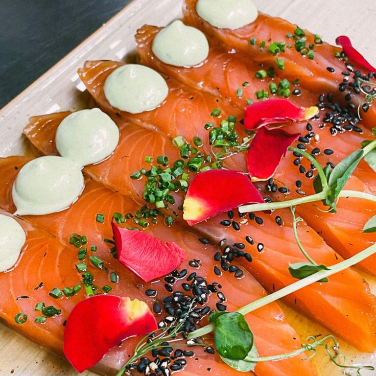 comer salmón restaurante zaragoza